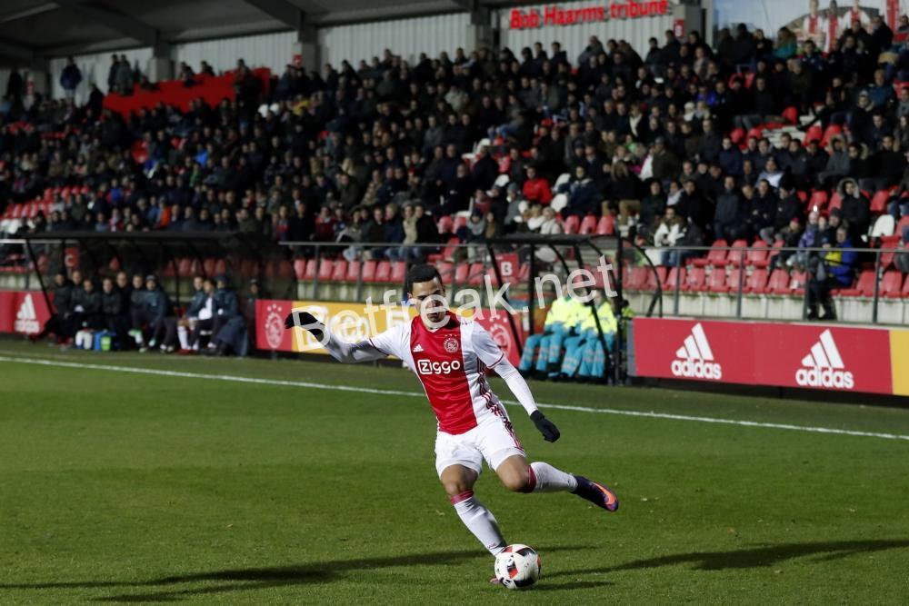 Ajax vs cambuur bettingexpert football binary options forex hedge
